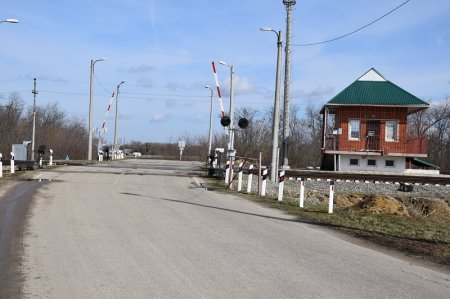 Железнодорожный перезд в селе Киевском