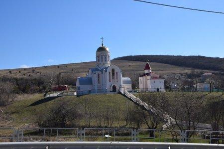 Храм в поселке Варваровка