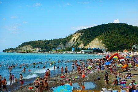 Пляж посёлка Лермонтово