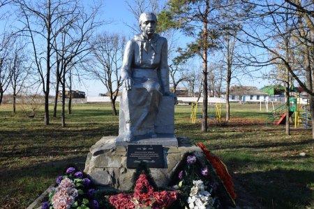 Монумент войнам в Краснополянском