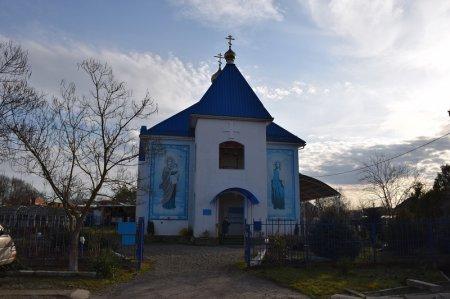 Храм в Новодмитриевской