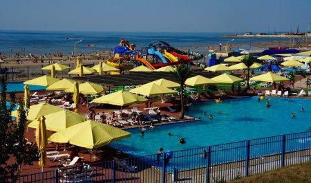 Аквапарк на берегу Азовского моря