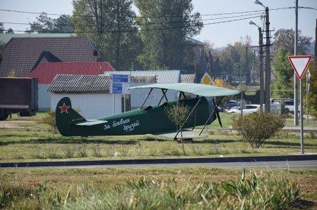 Макет самолета ПО-2 в Темрюке