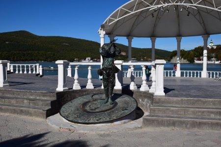 Памятник Л.О.Утесову в Абрау-Дюрсо