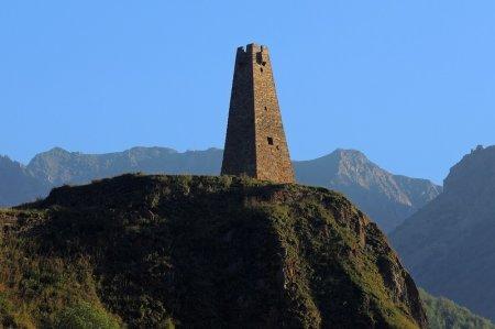 Сторожевая башня в горах