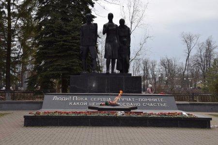 Монумент  в Павловской