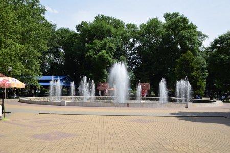Фонтан в центральном парке Белореченска