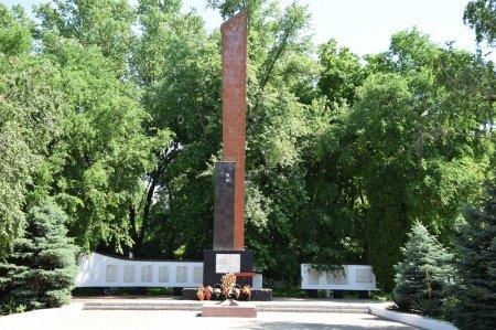 Монумент в Нововеличковской