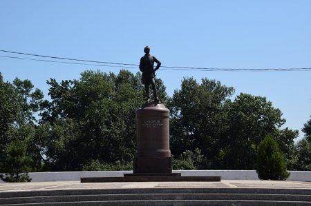 Памятник Суворову в Славянске-на-кубани