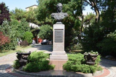 Бюст генерал-фельдмаршалу Гудович И.В. в Анапе